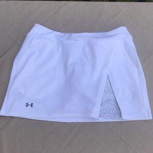 NEW Under Armour white tennis/running skort
